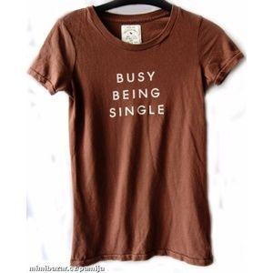ABERCROMBIE & FITCH GRAPHIC T SHIRT ~ BUSY BEING S